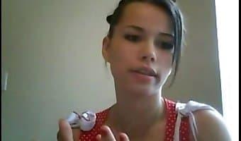 webcam brunette
